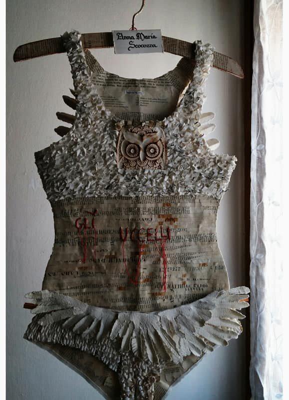 """""""Gli Uccelli"""", lingerie poetica, vecchi libri,filo per ricamo poetico, copyright Anna Maria Scocozza"""