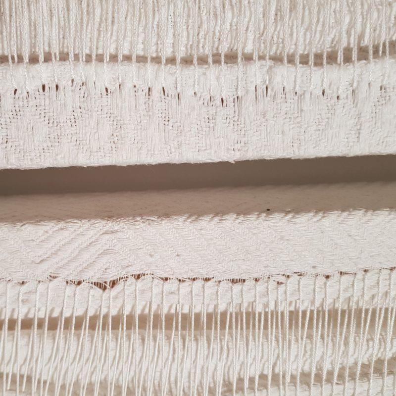 """""""Metafora bianco 5-dettaglio"""", Opera composta di 5 elementi - 230x160 cm - 230x65 cm - 230x20 cm - 230x44 cm - 230x6 cm - Cutra degli anni Cinquanta in cotone cucito, su telaio, 2017, Collezione privata"""