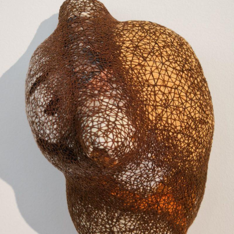 """Velatura Têxtil II"", 2018, Tapestry object (papers, magazines,wastes of various textile fiber, cotton and cotton), 32x23 cm, copyright Alves Dias"