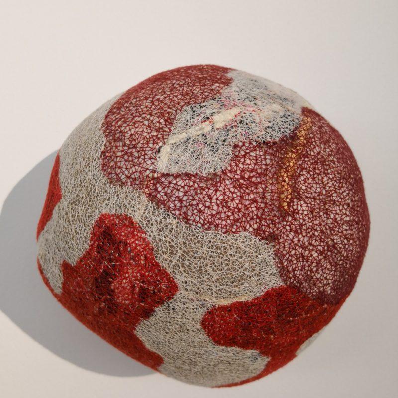 """VelaturaTêxtil VI"", 2018, Tapestry object (papers, wastes of various textile fibers, fabrics and cotton), 29x30cm, copyright Alves Dias"