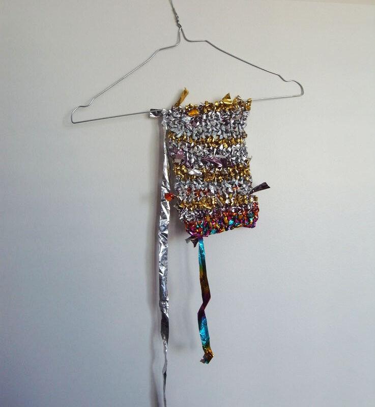 pezzo lavorato a maglia (primo) (2009) di Laura GuildA