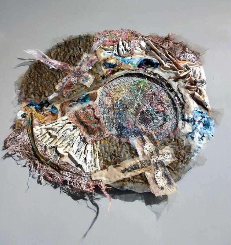 """""""Dreamcatcher: Wabi V"""", 2020, cm.65x55, base di feltro, ricamo a mano su collage di tessuti, rete di fili recuperati strappando i tessuti, found objects (frammenti di legno)"""