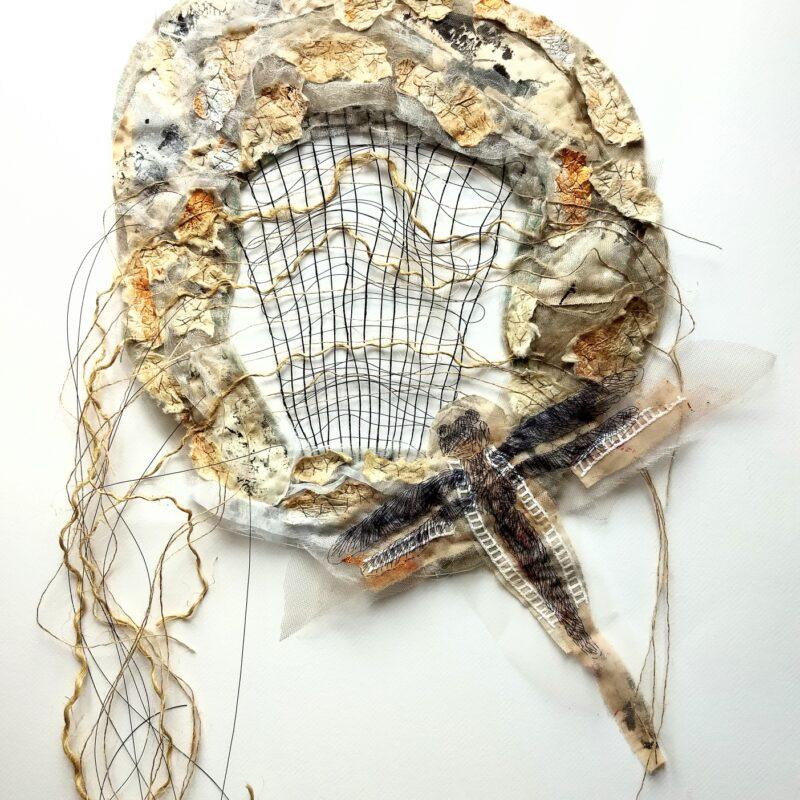 """""""Dreamcatcher: Wabi II"""", 2020, cm.40x120, base di feltro, tessitura a mano con filo da pesca e corde, ricamo a mano su collage di tessuti e la carta giapponese """"washi"""""""