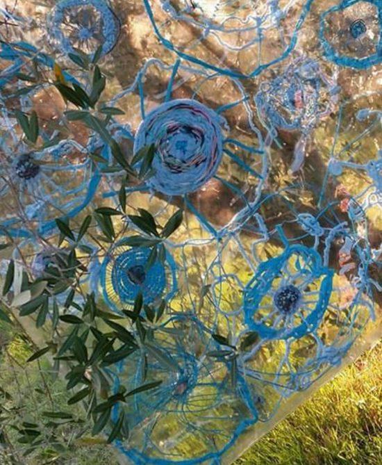 A stone into the pool, 2017, progetto per Land Art al Furlo VIII edizione SAXUM, filati misti lavorati a telaio, trattati con resine e inseriti dentro una superfice in pvc, cm.140x80, photo credit R.Patumi