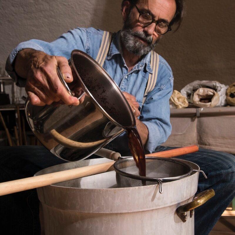 Associazione Casa Clementina:  la tintura naturale tra arte e industria tessile