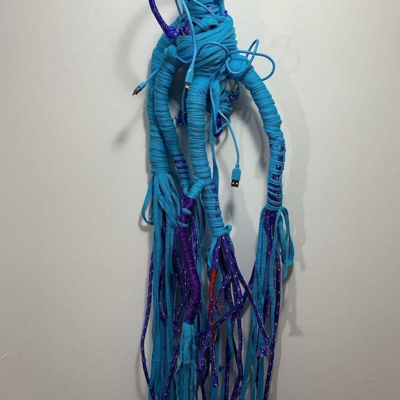 Technology, 2020, scultura tessile in turchese e blu di prussia con cavi elettrici, tecnica mista con wrapping